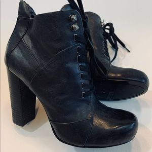 NINE WEST Black Leather Lace Up Ankle Booties 7.5M